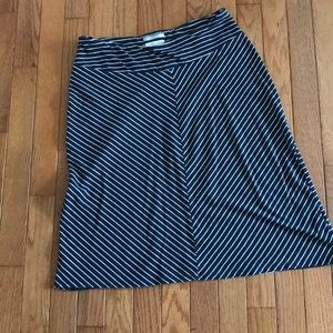 Columbia Cotton A -line skirt